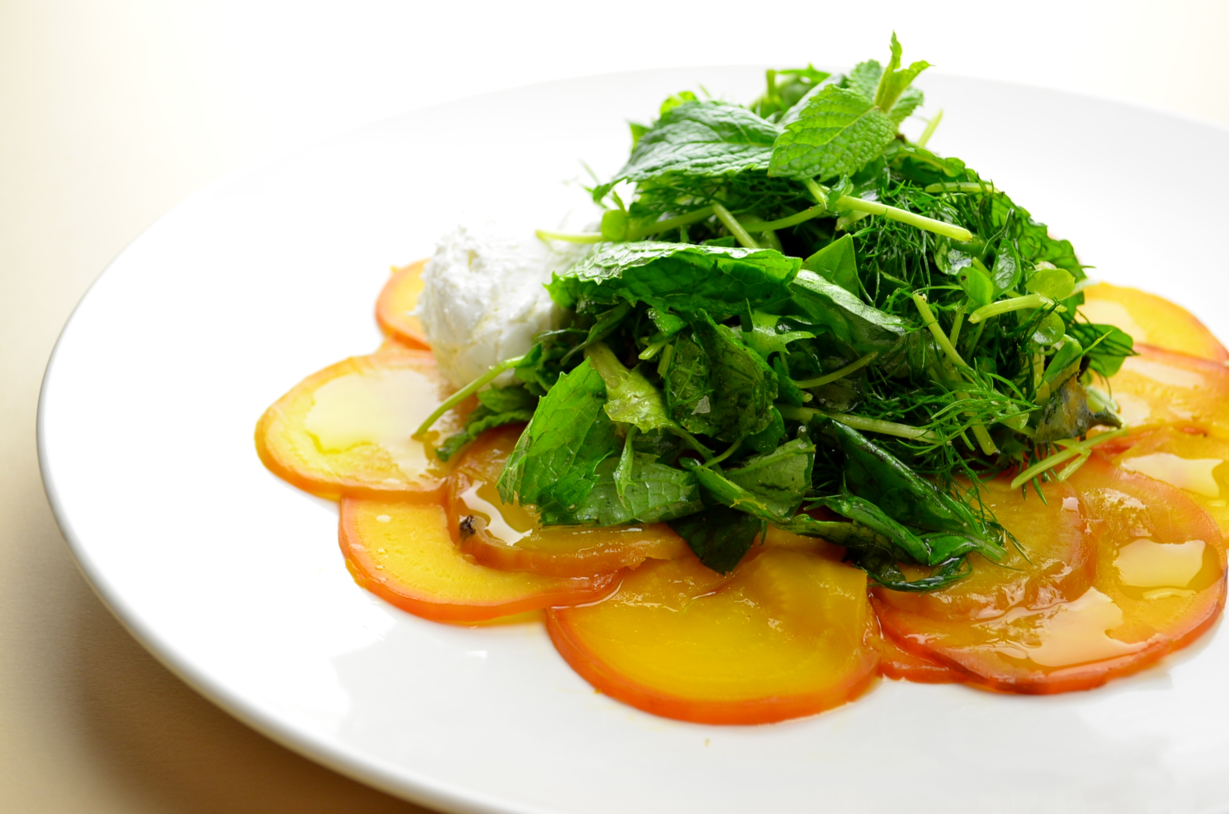 Beet carpaccio | Herb salad | Goat cheese quenelle | Mon Food Blog