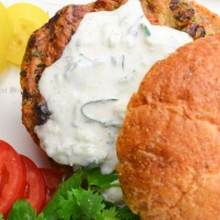 Indian chicken burger with raita