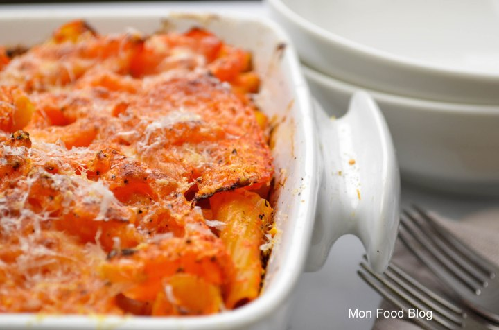 Baked rigatoni with roasted tomatoes