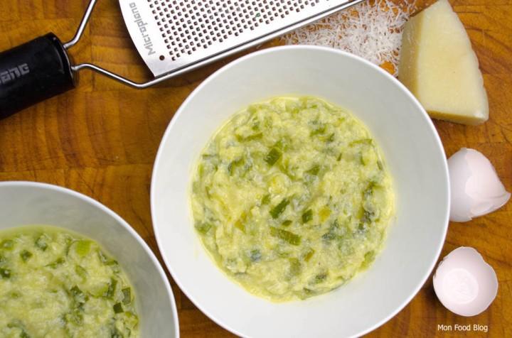 Minestra di zucchine cacio e uova
